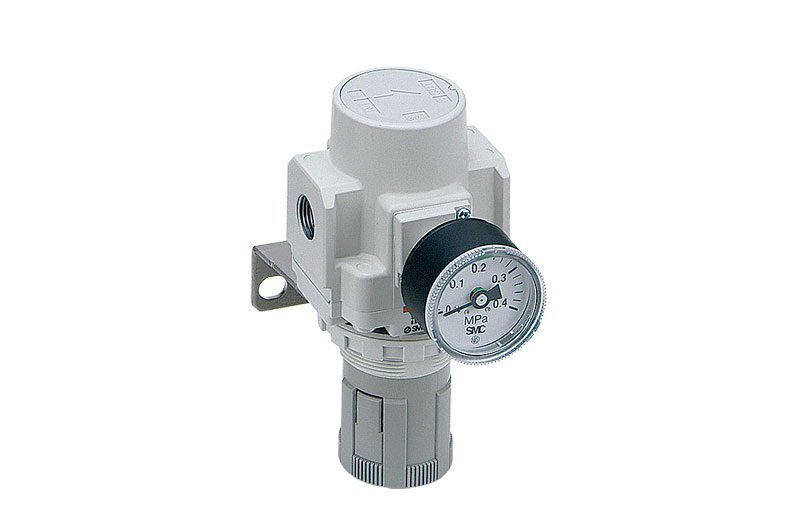 Direct operated precision regulator